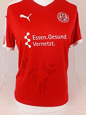 Original Trikot 2018 kadersigniert Größe M. Original squadsigned jersey of the famous german foot...