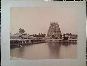 Northern Gopuram with Sivaganga Tank. 1 alte: Indien
