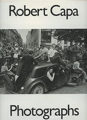 Robert Capa: Photographs: Capa, Robert; Cornell Capa (ed.); Richard Whelan (ed.)