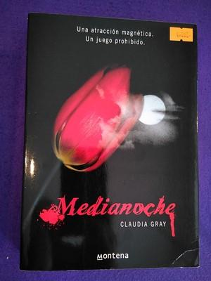 Medianoche: Claudia Gray
