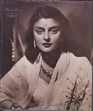 Rajmata GAYATRI DEVI Enduring Grace ILLUSTRE En: Dharmendar KANWAR.