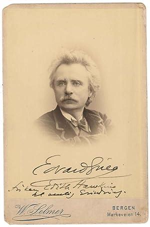 Photographie dédicacée et signée sur le cliché: GRIEG Edvard