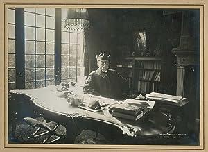 Photographie de Clemenceau chez lui à son bureau: CLEMENCEAU Georges