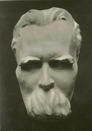 Photographie d¿un buste sculpté par Lorenz ZILKEN (1901-1991): NIETZCHE Friedrich