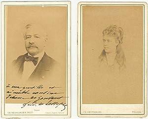 2 photographies au format carte de visite dont une dédicacée et signée: ...