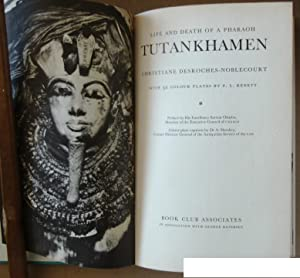 Tutankhamen. With 32 Colour Plates.