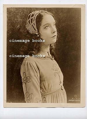 Portrait of Lillian Gish In Romola: Gish, Lillian &