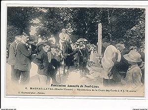 Carte postale ancienne MAGNAC-LAVAL : procession annuelle de neuf-lieux benediction de la croix des...