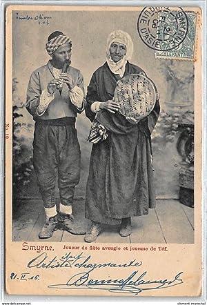 Carte postale ancienne TURQUIE : smyrne, joueur de flute aveugle et joueuse de tef