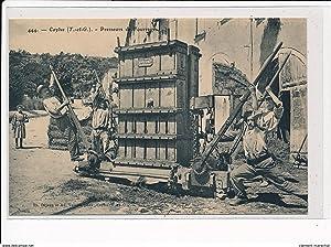 Carte postale ancienne CAYLUS - Presseurs de fourrage