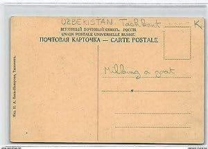Carte postale ancienne OUZBEKISTAN : types de l'asie central trayage de chevres