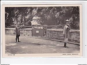 Carte postale ancienne CHINE - HONG KONG : sedan chair (1930 circa)