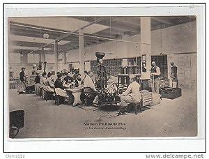 Carte postale ancienne Maison Pernod Fils - Un chantier d'embouteillage