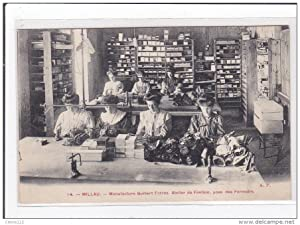 Carte postale ancienne MILLAU : manufacture guibert freres, atelier de finition, pose des fermoirs