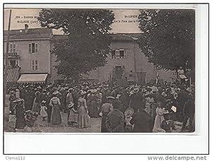 Carte postale ancienne SAINT LUPICIN - Environs de SAINT CLAUDE - Sur la Place pour la Fête