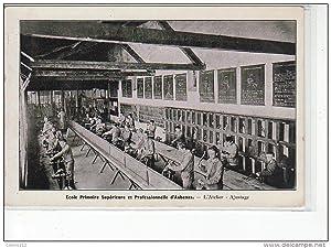 Carte postale ancienne AUBENAS - Ecole Primaire