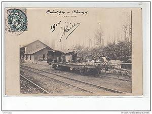 Carte postale ancienne CHOUZY : carte photo de l'accident de chemin de fer en 1904
