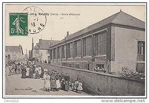 Carte postale ancienne REUILLY : sortie d' Ouvroir