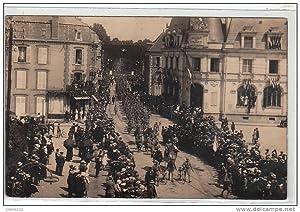 Carte postale ancienne MONTARGIS : 82° régiment d'infanterie rentrant à Montargis