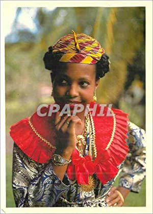 Carte Postale Moderne La Martinique Martiniquaise en Costume Traditionnel