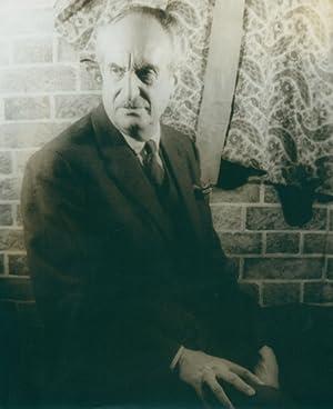 Portrait photograph of Adolfo Best-Maugard: Best-Maugard, Adolfo) Van