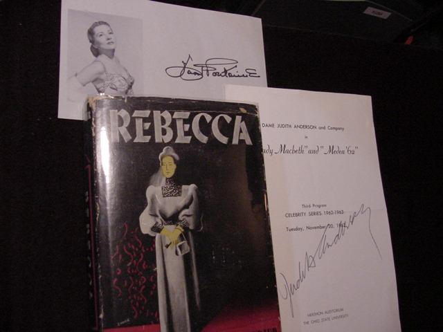 Rebecca (Plus SIGNED MOVIE TIE-INS): Du Maurier, Daphne