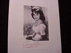 SIGNED PHOTO: Funicello, Annette