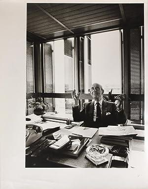 Portrait photographique de Raymond Aron par Bruno: Aron, Raymond (1905-1983)]