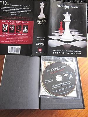 BREAKING DAWN (The Twilight Saga, Book IV): MEYER, STEPHENIE: 4th