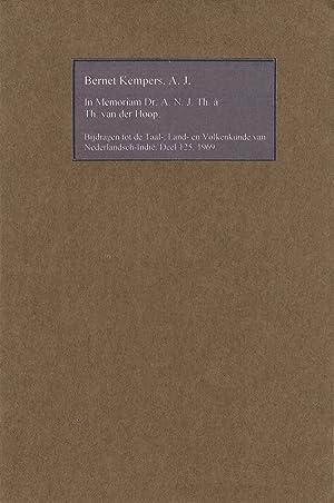 In Memoriam Dr. A. N. J. Th. a Th. van der Hoop (1893-1969): Kempers, Bernet