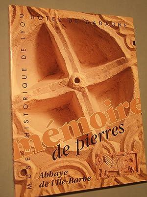 Sur les chemins de la perfection: Moines et chanoines dans le diocese de Besancon vers 1060-1220: ...