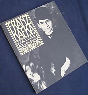 Franz Kafka: pictures of a life. Translated: WAGENBACH, Klaus