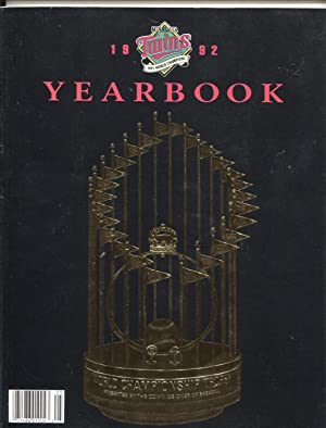 MINNESOTA TWINS 1992-TEAM YEARBOOK-PHOTOS-STATS-INFO-WORLD CHAMPIONS-MLB