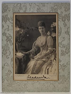 Lovely cabinet photo by Van der Weyde, signed, (of Denmark, 1844-1925, Queen of Edward VII)