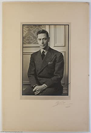 Portrait photo, signed 'Albert' & dated, (1895-1952, King of Great Britain)