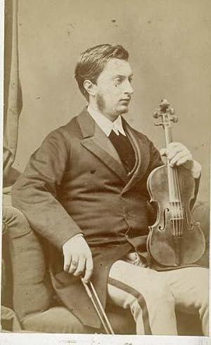 Portrait of Alfred Vivien, violinist.: DUPONT.