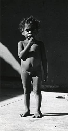 Aboriginal little girl, Darwin, Arnhemland, Aboriginal Reserve.: ETTEN, Chr. van.