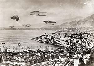 "Aerial view upon the sky during the ""La Course d'Aèroplanes de Monaco en 1909"", with 5 ..."