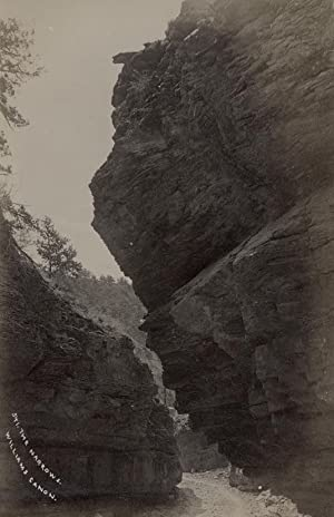The Narrows. Williams Canon. (Near Manitou Springs).: MANITOU SPRINGS.