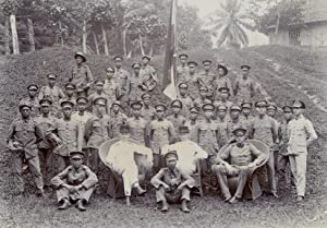 Group-portrait of the Dutch-Indonesian armee (KNIL), Posso, Celebes.: POSSO.