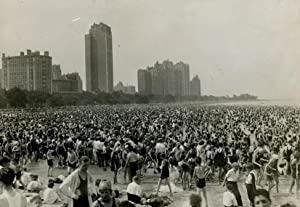 New Yorkers on the Beach, in the hot days June 1934.: KORTH, Fred G.