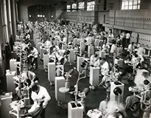 Students at the Dental Surgery Department from the University of Philadelphia, with medication on ...