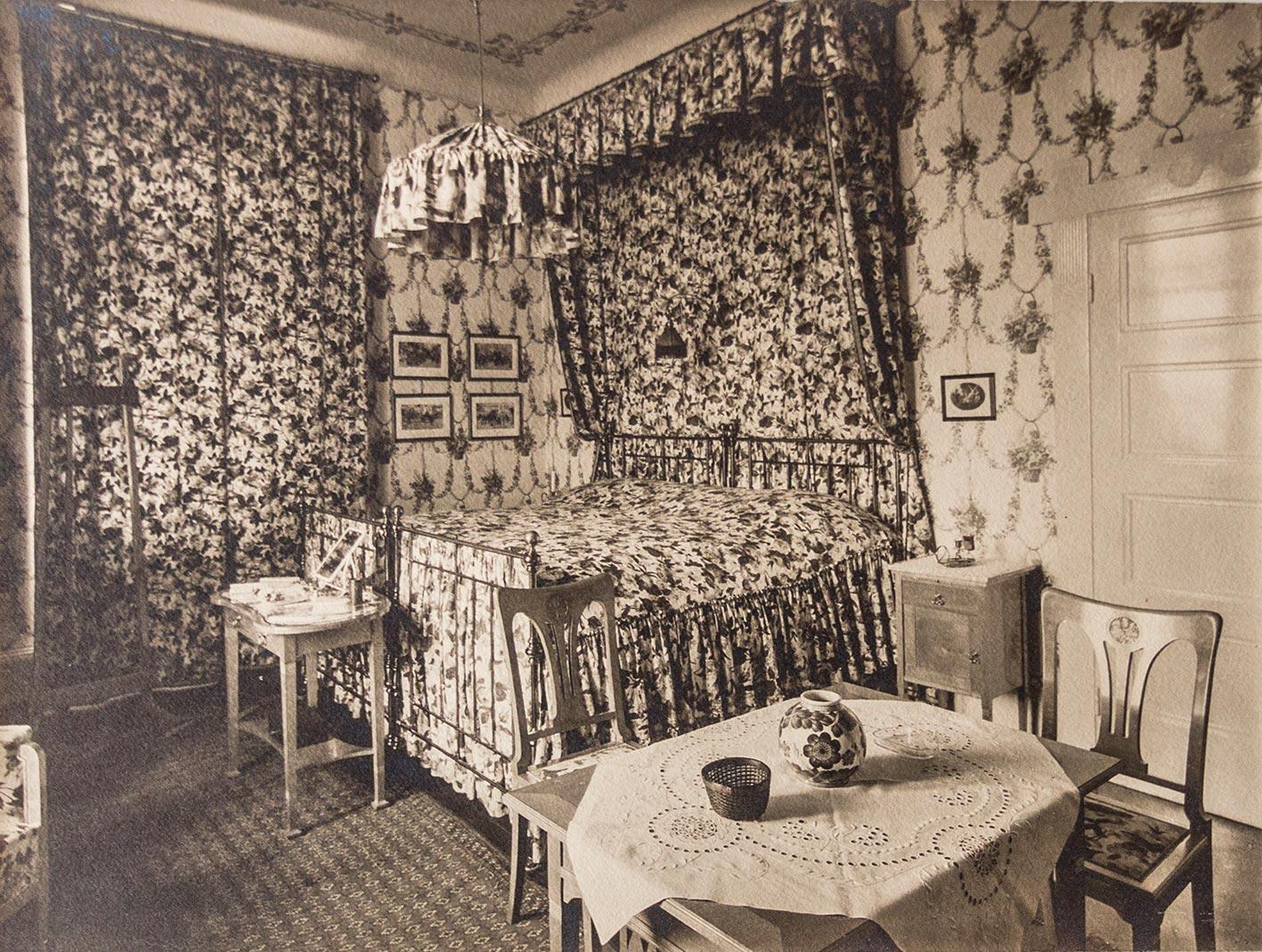 Jugendstil Schlafzimmer Einrichtung Eines Badischen Fabrikanten.  Original Fotografie (ca.: Anonymer