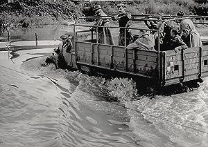A Course on Waterproofing. Waterproof vehicles built: FOX Photo, London: