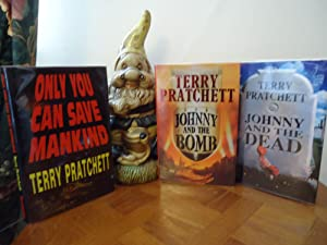 ONLY YOU CAN SAVE MANKIND (SIGNED)+JOHNNY AND: TERRY PRATCHETT (SIGNED)