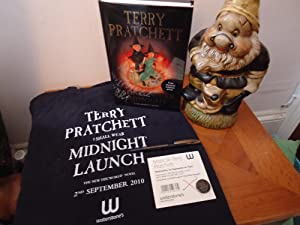 I SHALL WEAR MIDNIGHT+++A SUPERB SIGNED AND: TERRY PRATCHETT (SIGNED