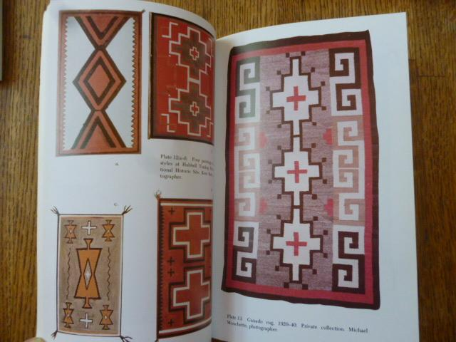 Old Navajo Rugs Their Development From 1900 To 1940 With Keys Identification