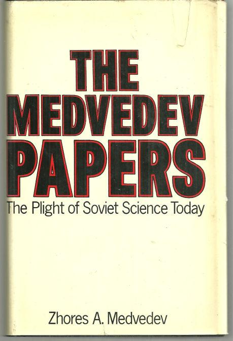 Image for MEDVEDEV PAPERS Fruitful Meetings between Scientists of the World. Secrecy of Correspondence is Guarnteed by Law