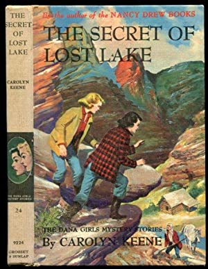 The Secret of Lost Lake (Dana Girls Mysteries 24)