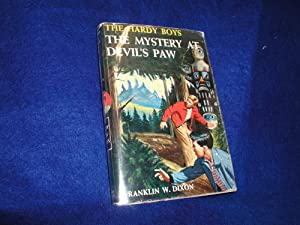 The Mystery at Devil's Paw, The Hardy Boys #38